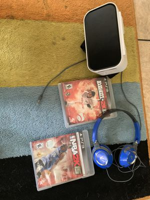 Virtual Reality Head Set/ headphones/ 2 PS3 games for Sale in Safety Harbor, FL