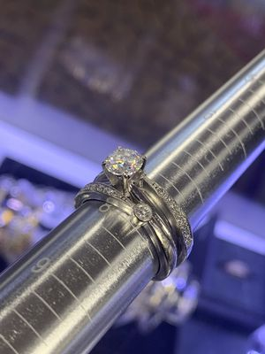 14kt Gold Diamond Ring - Size 7.5 for Sale in Las Vegas, NV