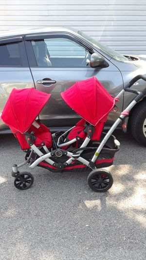 Contours by Kolcraft double stroller for Sale in Shorewood, IL