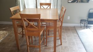 Kitchen table and 4 chairs for Sale in Columbia, SC
