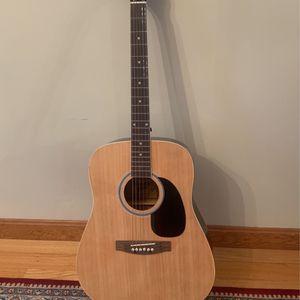 Maestro Guitar - Close To New for Sale in Sutton, MA