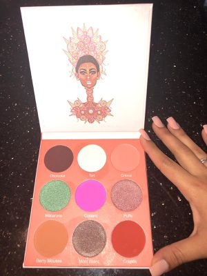 The Douce by Juvia's eyeshadow palette for Sale in Fort Washington, MD