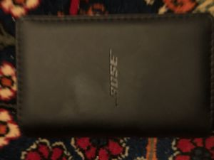 Bose ear bud speaker set with 2 sets extra earbuds for Sale in Saint Paul, MN