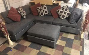 Couch sectional gray 3 pieces for Sale in Las Vegas, NV