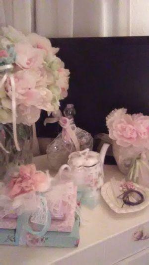 Loads of beautiful romantic decor for Sale in Festus, MO