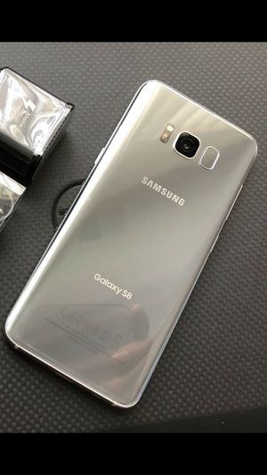 Samsung Galaxy S8 - just like new, factory unlocked, clean IMEI for Sale in Springfield, VA