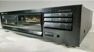 Onkyo compact disc player DX-C300 for Sale in Bell Gardens, CA