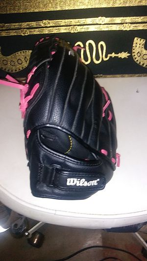 Wilson baseball glove for Sale in Atlanta, GA