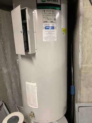 AO Smith 40 gal electric water heater for Sale in Washington, DC