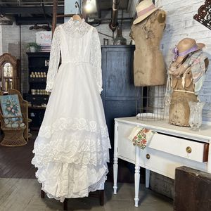 Wedding Dress With Vail And Tale for Sale in Waterbury, CT