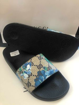 Brand new gucci women size 6 7 8 9 for Sale in Hollywood, FL