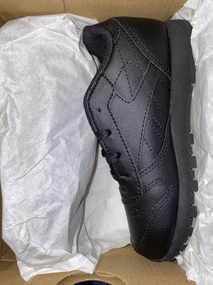 New all black Reebok for Sale in Bakersfield, CA