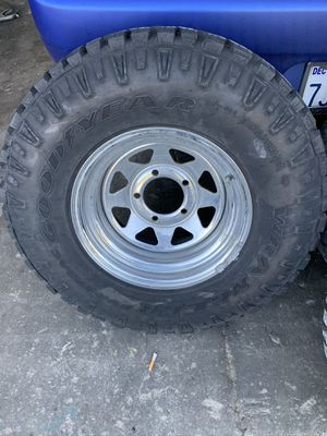 Jeep cj7 wheels and tires 31s for Sale in Riverside, CA