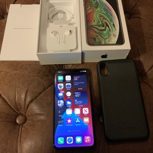 iPhone XS MAX Grey 256gb Excellent Condition Fully Unlocked For All Carriers . for Sale in Sanger, CA