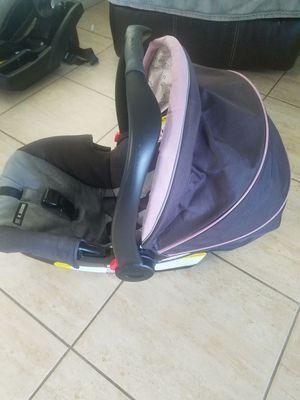 Graco Snugride 30 infant car seat for Sale in Orlando, FL