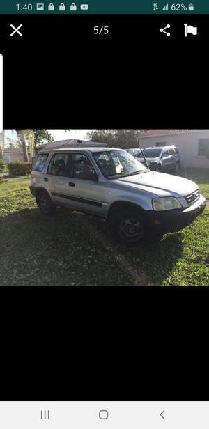 2000 Honda Crv suv**clean title **runs &drives**needs work for Sale in Hialeah, FL