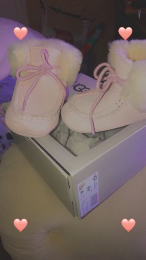 ugg for Sale in Waukegan, IL