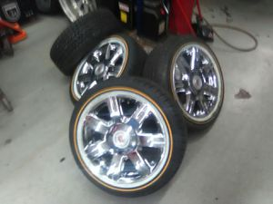 Brand new 17 inch vogues and dts rims for Sale in Harvey, IL