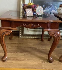 Solid wood Coffee Table Or Side Table 27*27*21 inches $20/each I Have 2 for Sale in Houston,  TX
