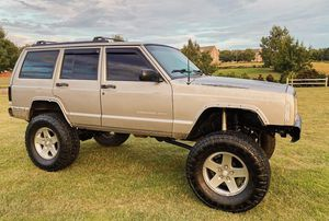2000 Jeep Cherokee XJ with low miles for Sale in San Francisco, CA