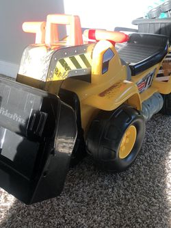 sit in digger toy for Sale in Elk Grove,  CA