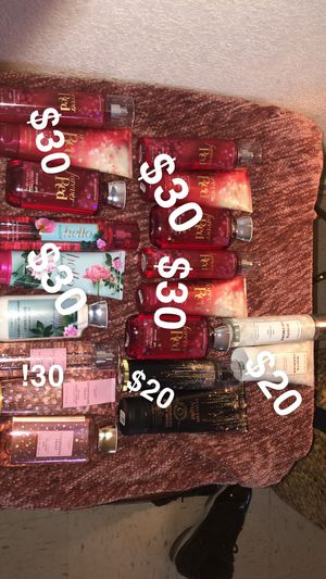 Bath and body works sets ! for Sale in Fresno, CA