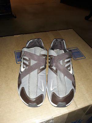 Women Nike training velcro running shoe size 8.5 for Sale in White Plains, GA