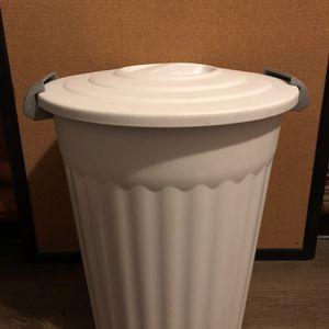 Sterilite White Container for Sale in Fontana, CA