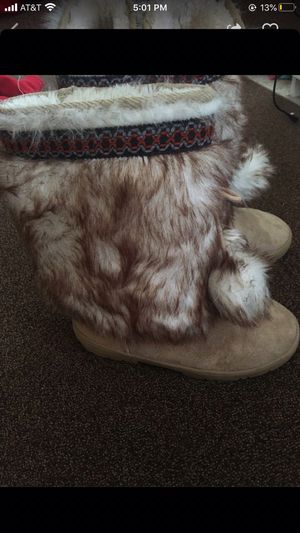 Fuzzy boots for Sale in Laurel, MD