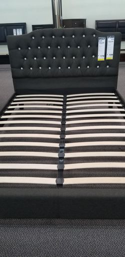 Diamond bed frame for Sale in Los Angeles,  CA