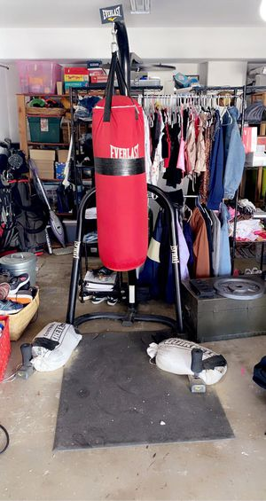 Punching Bag and Stand Bundle for Sale in Menifee, CA