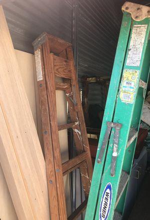 Johnson Wood Ladder, 6' for Sale in Orlando, FL