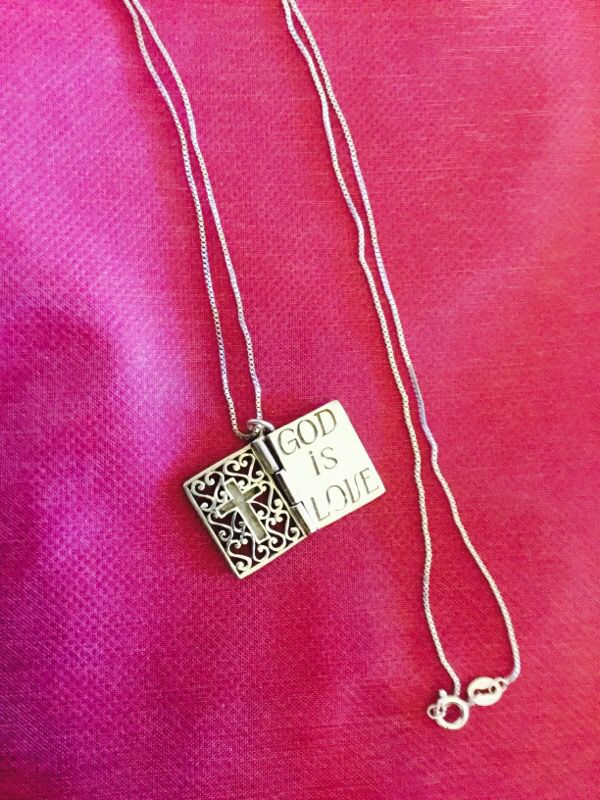 Sterling Silver Bible book necklace ❤️📕📚 Opens up like a book