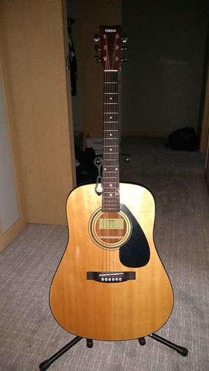 Yamaha acoustic guitar model fd01s for Sale in Seattle, WA