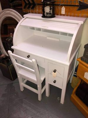 Child's Roll Top Desk for Sale in Columbia, TN