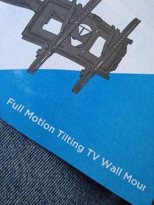 Top of the line deluxe brand new tilting flat tv wall mount . for Sale in Redlands, CA