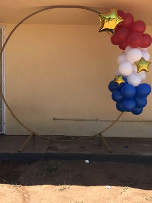 Backdrop and small balloon cluster for Sale in Riverside, CA