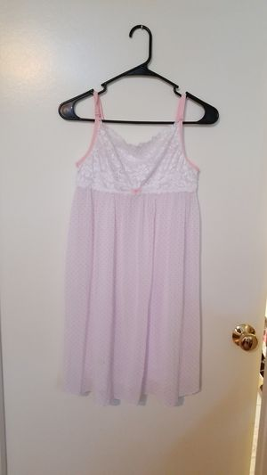 Night gown for Sale in Tampa, FL