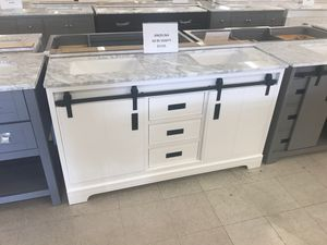"""60"""" solid wood vanity double sink for Sale in Orlando, FL"""