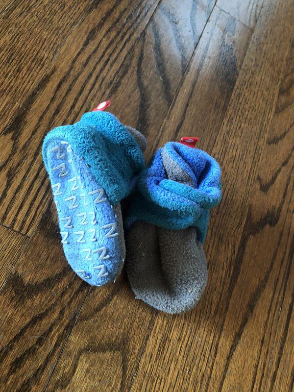 Zutano baby booties