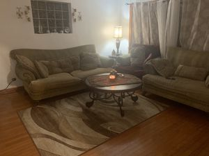 Used sofa, loveseat, chair, coffee table, end tables, accent table, ottoman, lamps for Sale in Chicago, IL