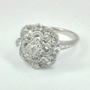 14K White Gold Vintage Design Ring (1 cttw) for Sale in Atlanta, GA
