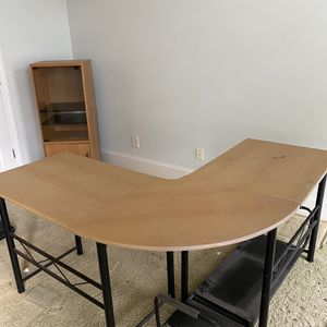FREE Tenant Eviction Furniture Two Desks, Two Lampposts, Cabinet for Sale in Atlanta, GA