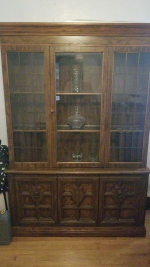 Antique glass cabinet for Sale in Chicago, IL