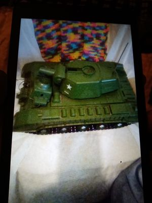RARE. Tiger joe tank 1960s 40$ and vintage 1960s deluxe u.s.s. battlewagon B-400 battleship toy. 40$ 40$ a piece for Sale in Fountain Inn, SC