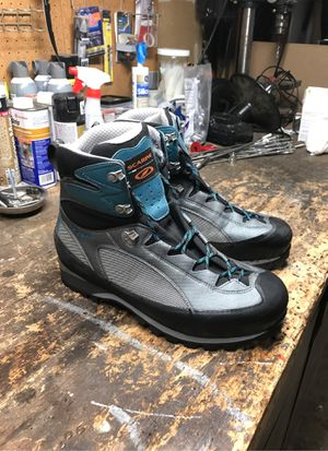 Scarpa Charmon GTX Pro Mens Boots for Sale in Kent, WA