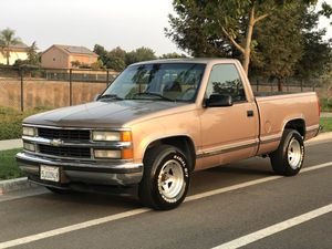 1995 Chevy Silverado 5.7l V8 for Sale in Modesto, CA