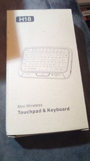 2.4ghz mini wireless keyboard and touchpad for Sale in Los Angeles, CA