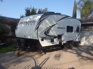 Toy Hauler 2015 genesis supreme 19ft. for Sale in City of Industry, CA