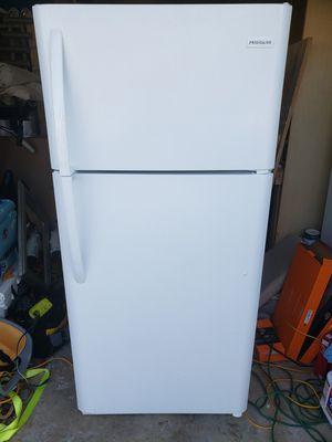 "Frigidaire refrigerator 18 cu ft 65""t 30""w 32""deep for Sale in Virginia Beach, VA"